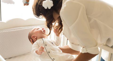 هل نوم الرضيع يدل على شبعه؟