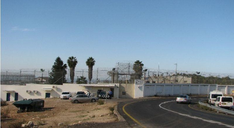 إصابة 30 اسيرا بالكورونا في سجن رامون