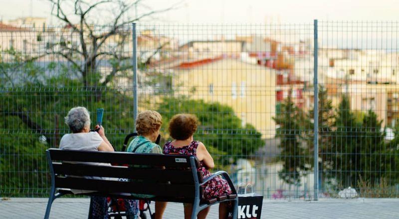 ارتفاع كبير بعدد مصابي الكورونا في دور المسنين