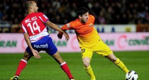 ميسي يقود البارسا لفوز على غرناطة (2-1)