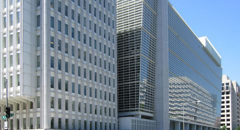 """""""النقد الدولي"""" يحذر من عاصفة اقتصادية عالمية محتملة"""