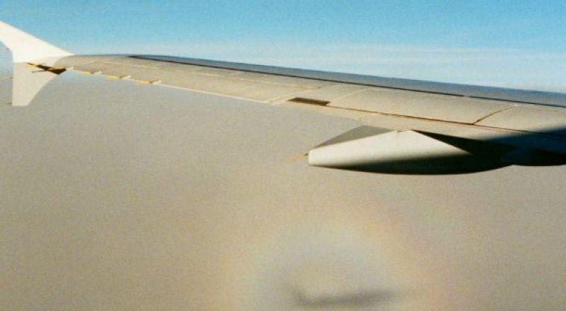 حادثة غريبة: طائرة تهبط اضطراريًا بسبب القهوة والشاي!