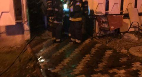 7 اصابات واخلاء العشرات جراء حريق هائل ببناية في نهاريا