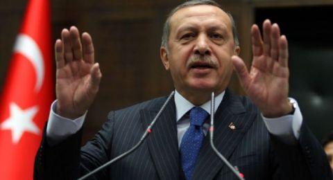 أردوغان يصف سيدات تظاهرن في يوم المرأة بـ