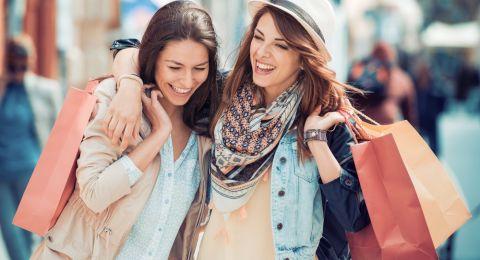 أكثر 10 بلدان أمانا لسياحة النساء بمفردهن