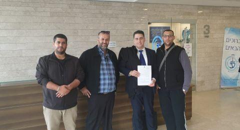 المحكمة تقبل التماس بلدية الطيبة وتجمّد هدم بيوت الحي الغربي للمدينة