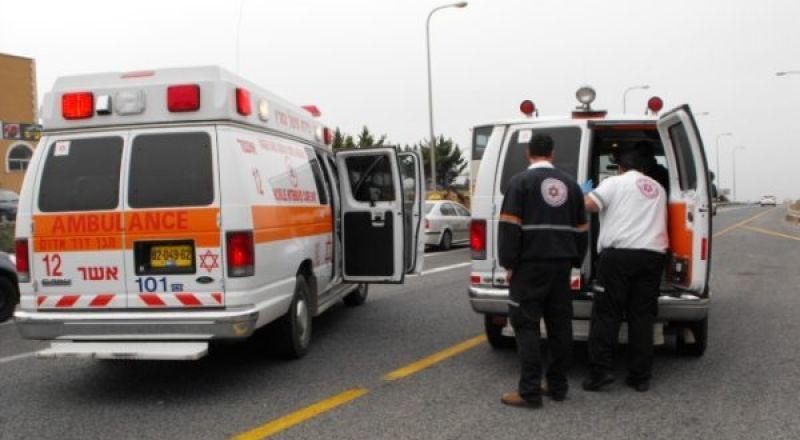 محاولات إنعاش لرجل أصيب بوعكة صحية واصطدم بعامود قرب حاجز الجلمة