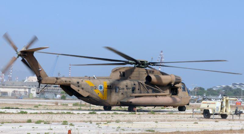 تحطم مروحية عسكرية إسرائيلية ونجاة قائدها