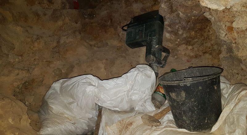 برطعة: حفروا بعمق 50 متراً، بحثاً عن الأثار، وتم اعتقالهم