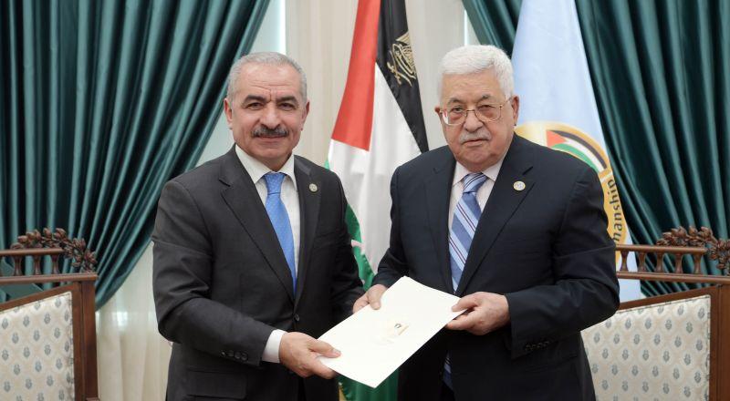 الرئيس أبو مازن يكلف محمد اشتيه بتشكيل الحكومة الفلسطينية الجديدة