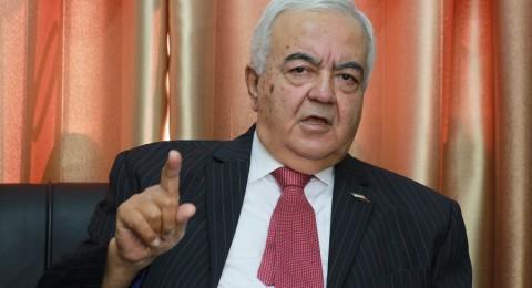 وزير العمل الفلسطيني يطالب بالتحقيق بـ 8 مليارات دولار سرقتها اسرائيل من العمال الفلسطينيين