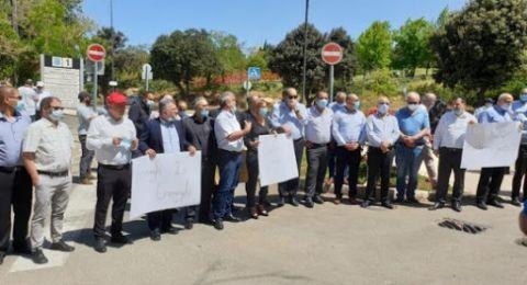 السُلطات المحلية، تواصل اضرابها حتى نيل مطالبها