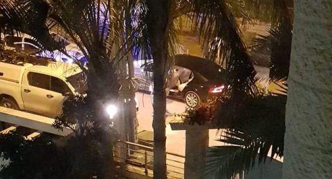 الطيرة: اصابة رجلي شرطة، نصب حواجز، واعتقال 6 مشتبهين وضبط أسلحة