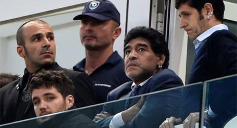 دييجو مارادونا يدخل المستشفى