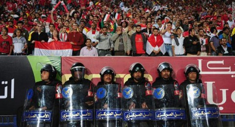 """مصر تترقب """"مفاجأة السيسي"""" لبلوغ المونديال"""