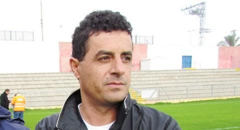 المدافع الكناوي شون شنب يرفض مواصلة اللعب بسبب شتائم الجمهور