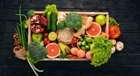10 أغذية يجب تناولها عند بلوغ الخمسين