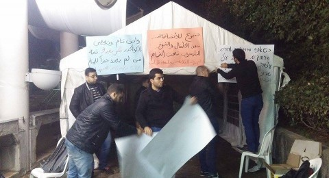 الجبهة الطلابية في جامعة تل ابيب تتضامن مع المشردين في الخيام وتنصب خيمة تضامن امام الجامعة