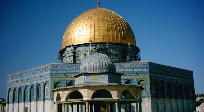 وزير الخارجية العماني يزور المسجد الأقصى