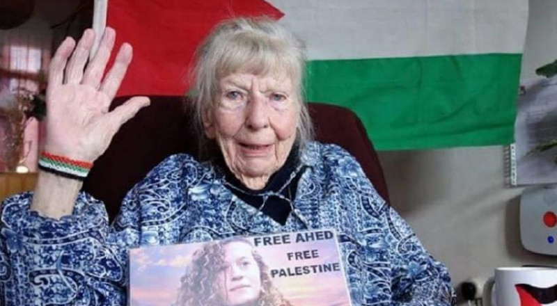 وفاة الناشطة الهولندية تيدراس المدافعة عن حقوق الشعب الفلسطيني