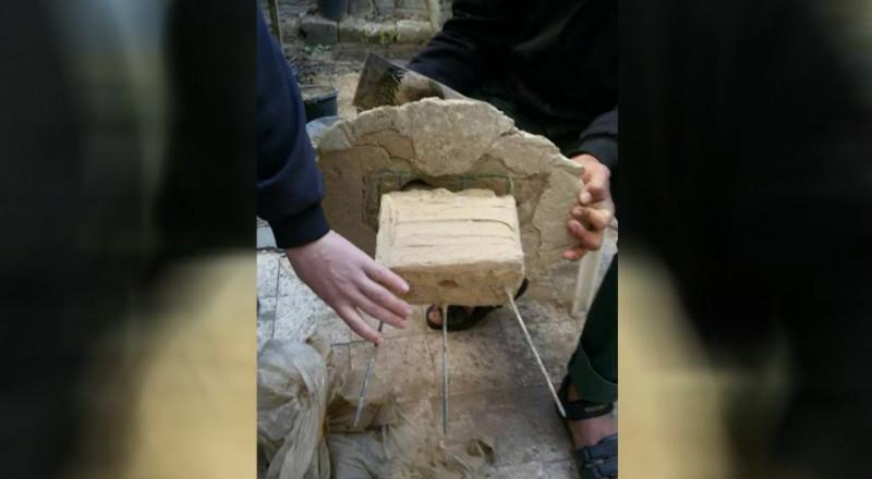 حماس تضبط كاميرا تجسس إسرائيلية على شكل صخرة