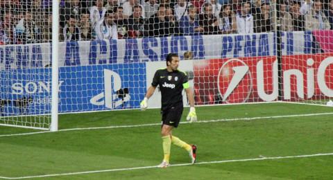 نتائج قرعة دوري الأبطال: صدام ثأري بين يوفنتوس وريال مدريد في ربع نهائي الأبطال