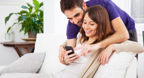إدمان الشاشات والتواصل الاجتماعي بات مرض شعبي