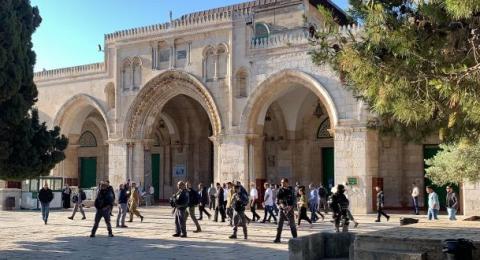 مستوطنون يقتحمون المسجد الأقصى .. ومساء اليوم: مسيرة البوابات الشهرية للجماعات المتطرفة