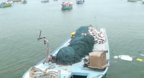اسرائيل تقرر توسيع مساحة الصيد في غزة والسماح بالاستيراد والتصدير