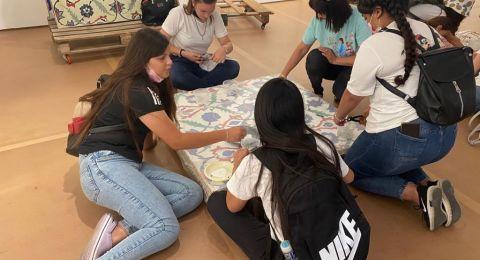 زياره طلاب استوديو الفن/ طمرة بإرشاد الفنانة ريا سعيد وطلاب الفنانة ليخيا متاني من مدينة قلنسوة لمتحف تل ابيب .