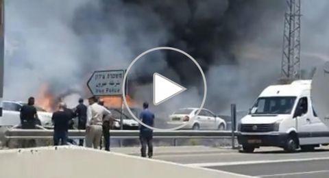حريق يلتهم مركبات قرب محطة شرطة وادي عارة(فيديو)