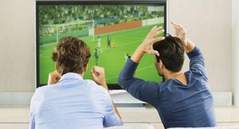 فائدة صحية غير متوقعة لمشاهدة كرة القدم!