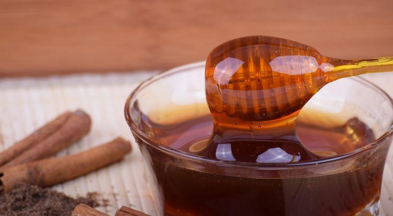 ما هي كمية العسل التي يمكن تناولها في اليوم؟