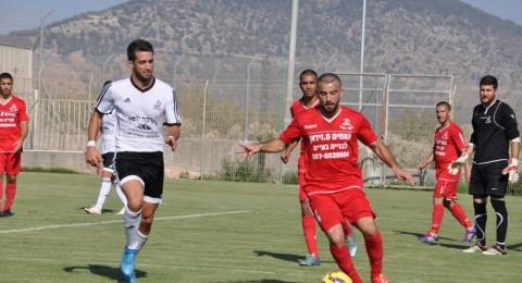 بعشرة لاعبين، ومع حسام ابو صالح في حراسة المرمى ، هـ اكسال يحقق فوزه الاول