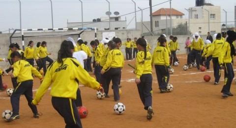 تسليم ملعب لكرة القدم للمجتمع المحلي في جنين