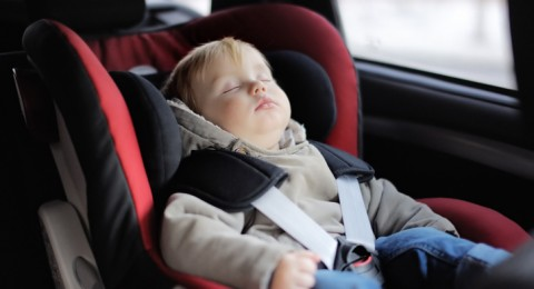 نصائح ذهبية لحماية الأطفال في السيارة!