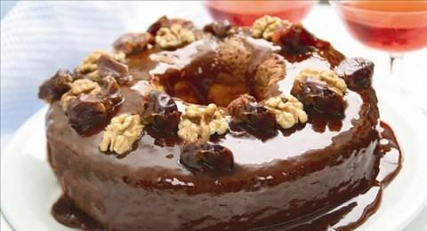 كعكة التمر والكاراميل مقدم من مطبخ