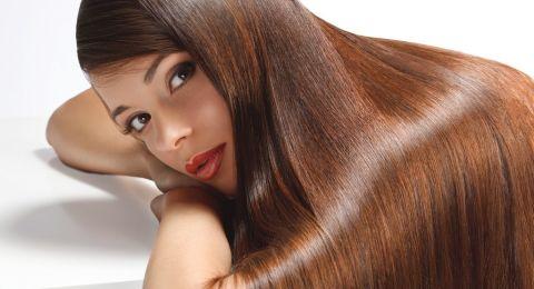 خلطات طبيعية من زيت اللوز لتطويل الشعر