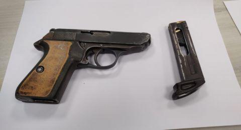 طمرة: ضبط مسدس وذخيرة في احد البيوت واعتقال مشتبه