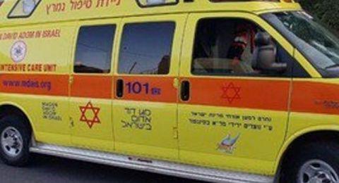 إصابة خطيرة لشاب من العزير بحادث طرق قرب مسغاف
