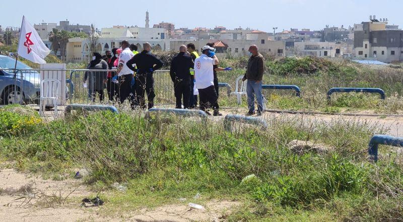 دوريات فحص الكورونا في جسر الزرقاء .. ومناوشات بسبب وصول أشخاص مشيًا على الأقدام