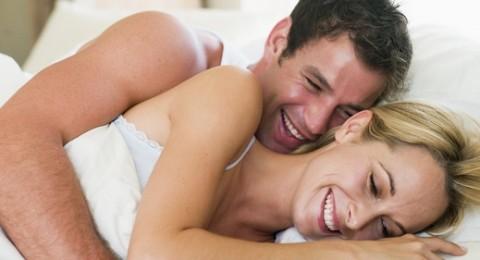 كيف تداعبين زوجك بعد الجماع