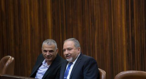 نتنياهو يشتبه بأن ليبرمان وكحلون تحالفا لمنعه من تشكيل حكومة