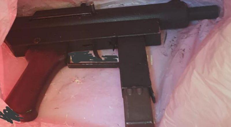 ام الفحم: العثور على سلاح من نوع كارلو واعتقال مشتبهين اثنين
