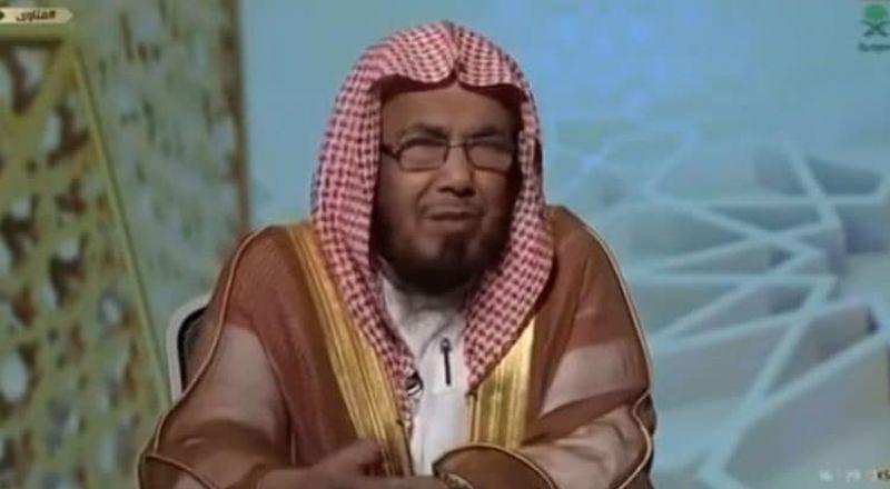 """شيخ سعودي: لا تجوز متابعة المسلسلات الهابطة في """"رمضان"""""""