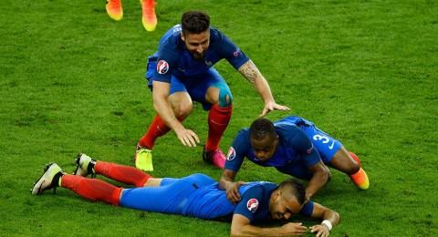 الليلة:يورو 2016: فرنسا وسويسرا لحسم التأهل