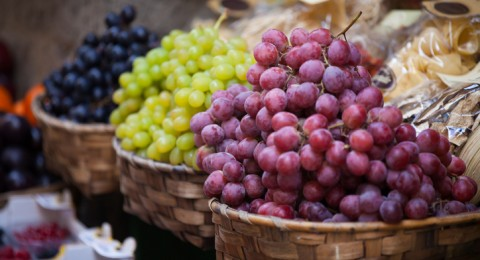 لهذه الأسباب..اجعل العنب ضيفًا على مائدة إفطارك