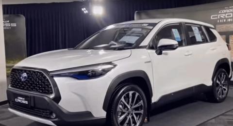 تويوتا تكشف عن نموذج كروس أوفر من Corolla