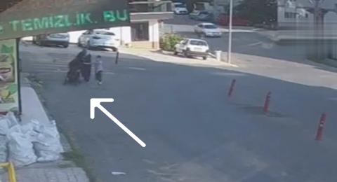 تركيا: طفل ينجو من موت محقق بعدما انزلقت عربته في طريق منحدر