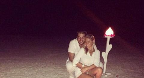 نانسي أفيوني تحتفل بذكرى زواجها الاولى على البحر بأجواء رومانسية
